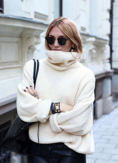 How To Wear An Oversized Turtleneck For Winter | Bloglovin' - the blog | Bloglovin'
