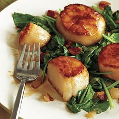 Pan-Seared Scallops with Bacon and Spinach. Cooking light.
