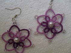 Boucles d'oreille violet en dentelle de frivolite
