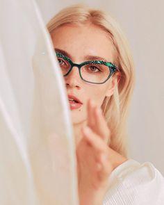 CAROLINE ABRAM sur Instagram: Is there ever enough gems ? 💎🤭 Bev strass and its natural stones #carolineabram #eyewear #lunettes Natural Stones, Round Glass, Eyewear, Gems, Glasses, Spring, Instagram, Rhinestones, Eyeglasses