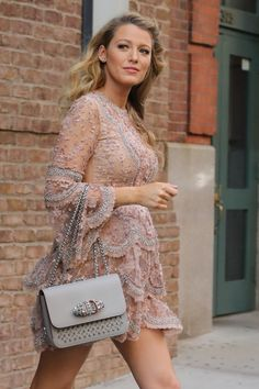 "52098017 Pregnant actress Blake Lively leaves her hotel and heads to the ""Today"" show in New York City on June 20, 2016. Blake is busy promoting her new shark movie ""The Shallows."" FameFlynet, Inc - Beverly Hills, CA, USA - +1 (310) 505-9876"