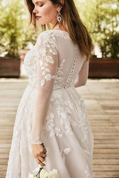 Illusion Sleeve Plunging Plus Size Wedding Dress Making A Wedding Dress, V Neck Wedding Dress, Classic Wedding Dress, Fall Wedding Dresses, Perfect Wedding Dress, Wedding Dress Styles, Floral Wedding, Wedding Dresses For Busty Brides, Galina Wedding Dress