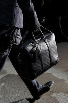bagcraze blog  Louis Vuitton men s bag Fall 2011 Louis Vuitton Mens Bag 5c277ac27f583