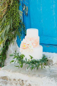Pillar Candles, Wedding Cakes, Table Decorations, Home Decor, Wedding Gown Cakes, Decoration Home, Room Decor, Wedding Cake, Interior Design
