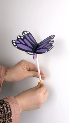 This is a simple DIY tutorial of paper plate butterfly to make at home. Fun piece & amazing gift for kids. paper crafts for kids simple DIY Crafts for Kids-How to Make Paper Plate Butterfly-DIY Inspiration-Tutorial Instruções Origami, Paper Crafts Origami, Paper Crafts For Kids, Craft Activities For Kids, Preschool Crafts, Diy For Kids, Fun Crafts, Gifts For Kids, Wood Crafts