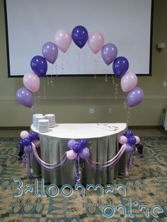 hot air balloon baby shower cake | ... decorated table with adorned mini balloon puffballs and satin ribbons