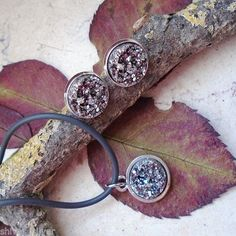 Titanium-Druse-Anhaenger-mit-Halskette-Ohrringe-Ohrstecker-Silber-plattiert