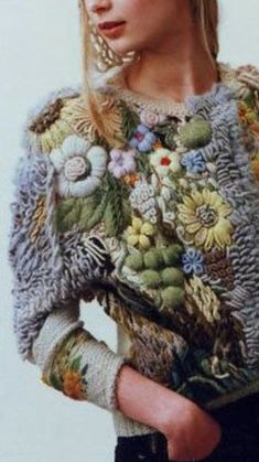 Watch The Video Splendid Crochet a Puff Flower Ideas. Wonderful Crochet a Puff Flower Ideas. Knitting Designs, Knitting Patterns, Freeform Crochet, Knit Crochet, Moda Boho, Crochet Winter, Textiles, Knit Fashion, Fabric Manipulation