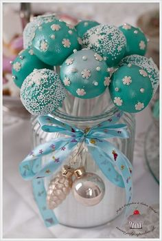 Tiffany Christmas Cakepops!  #lulusholiday