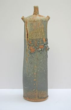 Jane Wheeler / Stoneware 3-spouted vessel, copper-tin glaze on barium.