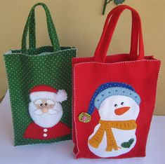Imagen relacionada Diy Christmas Presents, Christmas Gifts For Friends, Christmas Bags, Felt Christmas, Christmas Stockings, Christmas Crafts, Christmas Decorations, Felt Crafts, Diy And Crafts