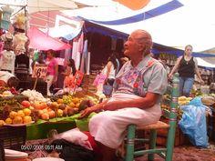 Un mercado es historia, herencia, ecología y sabiduría...pocos como el de Malinalco para aprender.