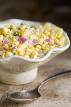 If you love corn as much as I do, then try this quick and easy Sweet Corn Salsa recipe. This fresh corn salsa is made with only 6 simple ingredients. Corn Recipes, Mexican Food Recipes, Vegan Recipes, Cooking Recipes, Vegan Food, Sweet Corn Salsa, Cowboy Caviar, Sauces, Salsa Recipe