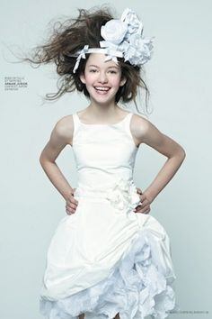 Mackenzie Foy: She's Got Glam - I came across this and thought it was simply a fabulous photo shoot. Mackenzie Foy by Dani Brubaker for L'official Magazine March 2013 Mackenzie Mackenzie Foy, Little Kid Fashion, Kids Fashion, Young Fashion, Women's Fashion, Celebrity Pictures, Girl Pictures, Vip Fashion Australia, Kate Middleton Dress