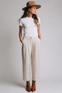 Cream Colored High Waisted Wide Leg Pants Outfit with Front PocketsYou are in the right place about Women Pants sketch Here we offer you the most beautiful pictures about the Women Pants palazzo you are looking for. When you examine the Cream Color Linen Pants Outfit, Linen Pants Fashion, Cream Trousers Outfit, Cute Pants Outfits, White Tshirt Outfit, Cream Pants, Flannel Fashion, Work Outfits, Spring Outfits