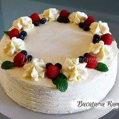 Cartofi cu ciuperci la cuptor, reteta pregatita de Ramona Dascalu Romanian Desserts, Cake Decorating Frosting, Homemade Cakes, Cake Designs, Sweet Treats, Cheesecake, Birthday Cake, Baking, Foods