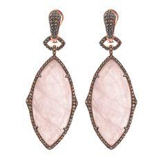 Pendientes en plata de ley con piedra natural cuarzo rosa y circonitas. Ver más coleccion en www.salvatore.es