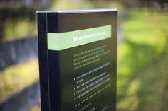 Informatie en expositiezuilen van aluminium met fotoprints voor park de Hoge Vught in Breda.    #informatiezuil #aluminium #print #gemeente #expositiezuil #breda #hufterproof #informatiebord #park