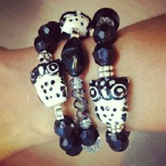 Buhos black and white