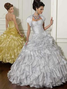 Ball Gown Sweetheart Organza Floor-length Sleeveless Crystal Detailing Quinceanera Dresses at sweetquinceaneradress.com