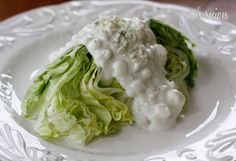 Low Fat Creamy Blue Cheese Dressing - great on a salad or as a dip for wings! - blue cheese is the best! Skinny Recipes, Healthy Recipes, Delicious Recipes, Keto Recipes, Yummy Food, Bleu Cheese Dressing, Ranch Dressing, Great Recipes, Favorite Recipes