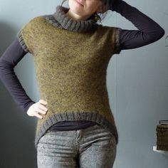 Siri pattern by Caroline Lang... MelleChou's Siri test knit