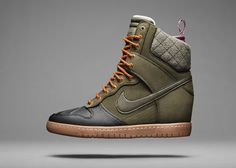 Just in time for fall and winter, Nike will release next month the Nike Dunk Sky Hi SneakerBoot, a 'boot' version of the Nike Dunk Sky High. These Nike Dunk… Nike Air Force, Nike Air Max, Air Max 90, Nike Free Run 2, Nike Running, Running Shoes, Nike Lunar, Nike Outlet, Nike Dunk Sky Hi