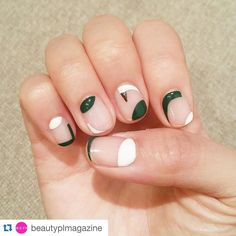 negative space nail art | minimalist | le manu a espaces vides | ideas de unas