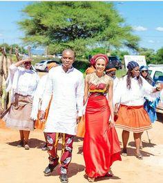 African Wedding Attire, African Attire, African Dress, African Weddings, Traditional Wedding Dresses, African Design, Fashion Prints, African Fashion, Dress To Impress