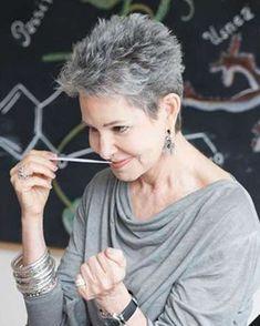 Pixie kurze Haarschnitte für ältere Frauen über 50 & 2018-2019 kurze Haarschnitte