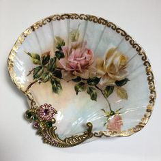 Seashell Painting, Seashell Art, Seashell Crafts, Beach Crafts, Diy And Crafts, Arts And Crafts, Seashell Ornaments, Snowman Ornaments, Vintage Rosen