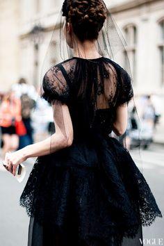 casual black veil look on the street