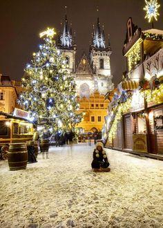 A true winter wonderland - Prague, Czech Republic - Switzerland Vacations Prague Christmas, Christmas Scenes, Christmas Markets, Christmas Time, Xmas, Magical Christmas, Merry Christmas, Wonderful Places, Beautiful Places