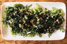 Warm kale salad - A regular in my diet, but i use garlic instead of chilli (I don't tolerate spicy foods too well) Spicy Recipes, Real Food Recipes, Healthy Recipes, Vegetable Salad, Vegetable Dishes, Lima Beans In Crockpot, Warm Kale Salad, Fried Kale, Healthy Snacks