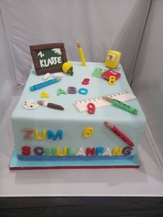 diy birthday cake for boys Einschulungstorte Birthday Sheet Cakes, Diy Birthday Cake, Birthday Gifts, Berry Smoothie Recipe, Coconut Smoothie, Pumpkin Decorating, Cake Decorating, Teacher Cakes, School Cake