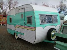 """Restored by Larry Hill from """"The Starlite Classic Campground"""" Retro Trailers, Rv Travel Trailers, Vintage Travel Trailers, Trailers For Sale, Camp Trailers, Little Campers, Cool Campers, Happy Campers, Vintage Caravans"""