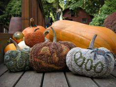 rug hooked pumpkins