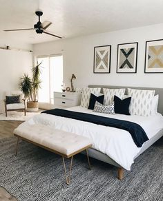 41 Elegant and Modern Master Bedroom Design Ideas 2019 Master Bedroom Ideas. Create a Seating Area. Your bedroom shouldnt just be the place where you sleep The post 41 Elegant and Modern Master Bedroom Design Ideas 2019 appeared first on Bedroom ideas. Modern Master Bedroom, Master Bedroom Design, Minimalist Bedroom, Home Decor Bedroom, Bedroom Designs, Trendy Bedroom, Bed Room, Beds Master Bedroom, Bedroom Apartment