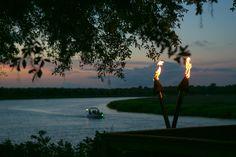 Favorite Charleston wedding venue: Magnolia Plantation Carriage House on the Ashley River. © Carolina Photosmith