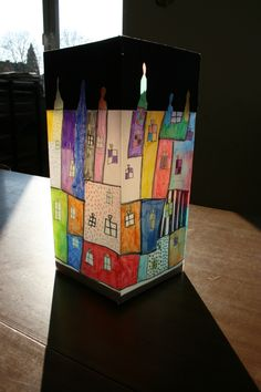Hundertwasser-Haus-Laterne crafts for graders Kids Lantern, Friedensreich Hundertwasser, Kindergarten Art Projects, 4th Grade Art, San Martin, Paper Lanterns, Teaching Art, Diy Paper, Art Education