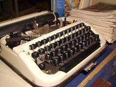 Друкарська машинка .