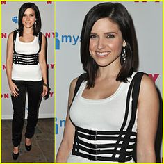 Getting my hair done this Friday like this. Thanks Sophia Bush for the inspiration! haha