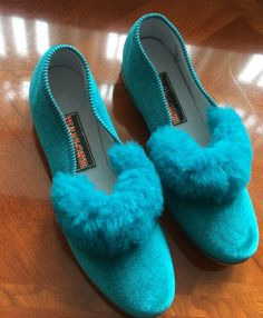 Ladies Slippers Striking Turquoise /jade Colour Fluffy Trim Size 8 42 #Marlone Womens Slippers, Ladies Slippers, 1960s, Turquoise, Furs, Lady, Heels, How To Wear, Colour