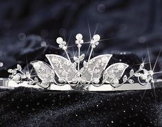 Decorations for a Quinceanera - Butterfly Theme Quinceanera - Mis Quince Mag Quinceanera Tiaras, Quinceanera Decorations, Quinceanera Party, Quinceanera Dresses, Chambelanes, Quince Dresses, Royal Jewels, First Communion, Wedding Accessories