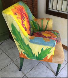Painting Fabric Furniture, Funky Painted Furniture, Hand Painted Chairs, Painted Floors, Overstuffed Chairs, Quilt Storage, Reupholster Furniture, Quilts For Sale, Creative Home