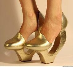 Space Shoes | virtualshoemuseum.com