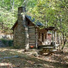 Cabin plans at Cabinplans Whether your looking for a cottage or vacation house we have many small cabin designs to choose from. How To Build A Log Cabin, Small Log Cabin, Little Cabin, Tiny House Cabin, Log Cabin Homes, Log Cabins, Rustic Cabins, Cabins In The Woods, House In The Woods