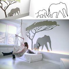 ... Kinderzimmer mal anders, der Baum und der große Elefant sind auf die Wand gemalt der kleine Elefant ist aus Holz ausgesägt und steht auf...