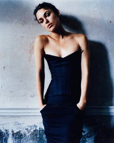 Keira Knightley photographed by Mario Testino for Vanity Fair April 2004