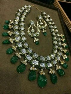 """""""Bridal Jewelry Inspirations for the Trendy Indian Bride! Bridal Jewellery Inspiration, Wedding Jewelry, Wedding Rings, Bridesmaid Jewelry, India Jewelry, Jewelry Sets, Jewelry Stores, Diamond Jewelry, Gold Jewelry"""